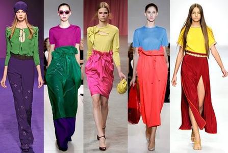 时髦服装色彩搭配
