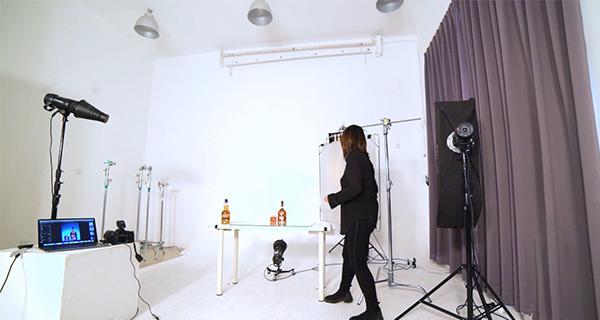 学1:静物不同材质用到的不同拍摄方法与布光技巧.jpg